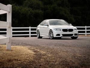 ���� BMW 3