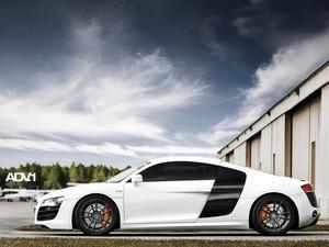 Обои Audi R8 V10