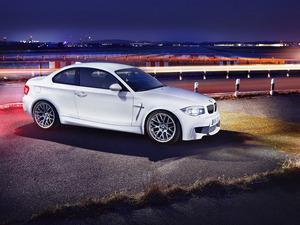 ���� BMW 1