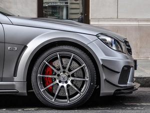 ���� Mercedes Benz C63 AMG