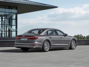 Обои Audi A8L 2017