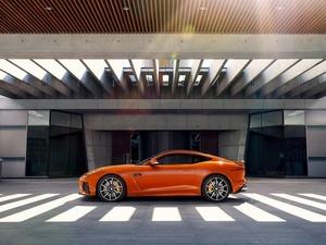 Обои Jaguar F-Type SVR