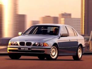 Обои BMW 523i