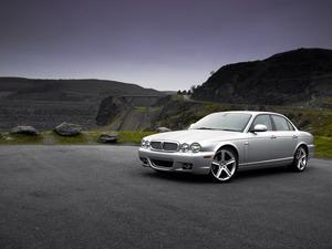���� Jaguar XJ