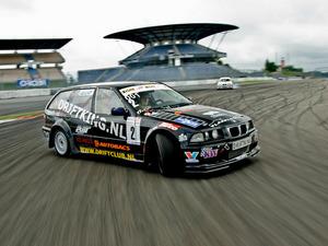 Обои BMW Drift