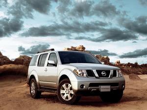 Обои Nissan Pathfinder