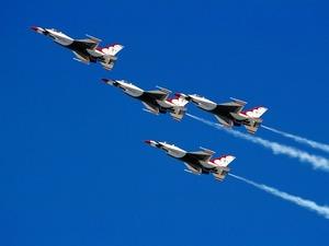 Обои F-16C группа ThunderBird