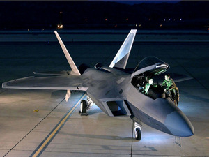 Обои Lockheed Martin F-22 Raptor