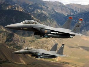 ���� F-15