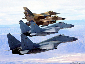 Обои МиГ-29 и F-16