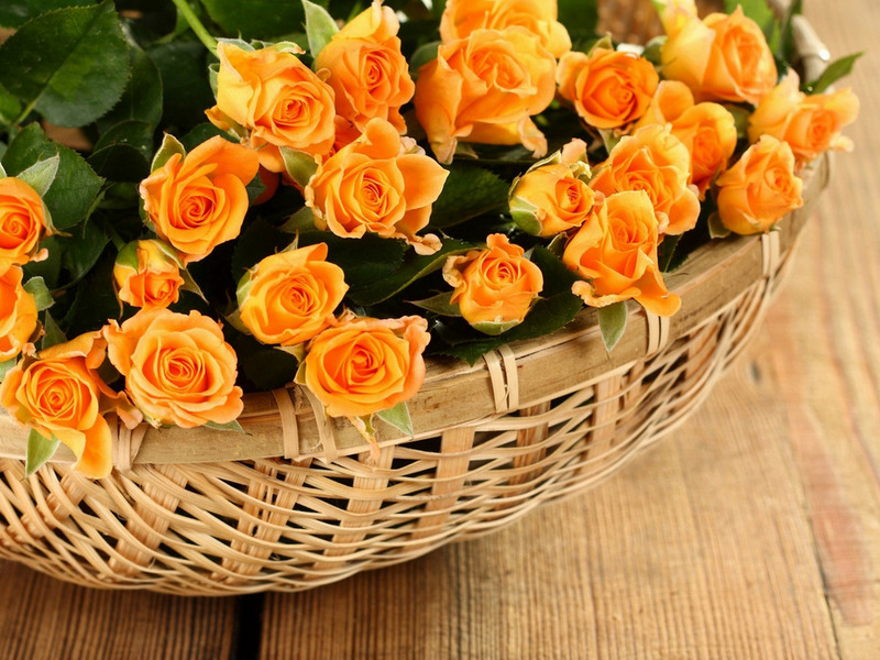 Корзина желтых роз