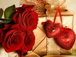 Обои Букет роз и сюрприз