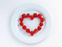 Обои для рабочего стола: Клубничное сердце
