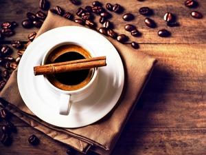 Обои Кофе с корицей