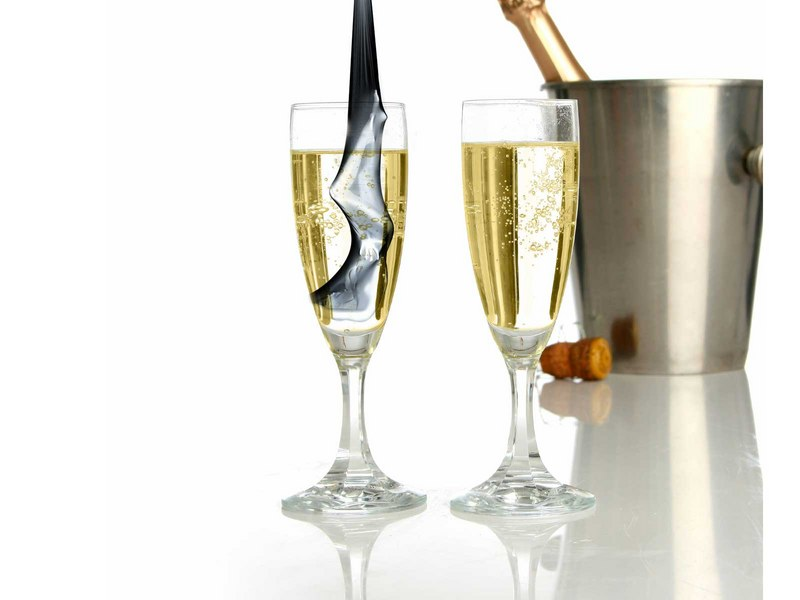 http://img.desktopwallpapers.ru/food/pics/Champagne.jpg