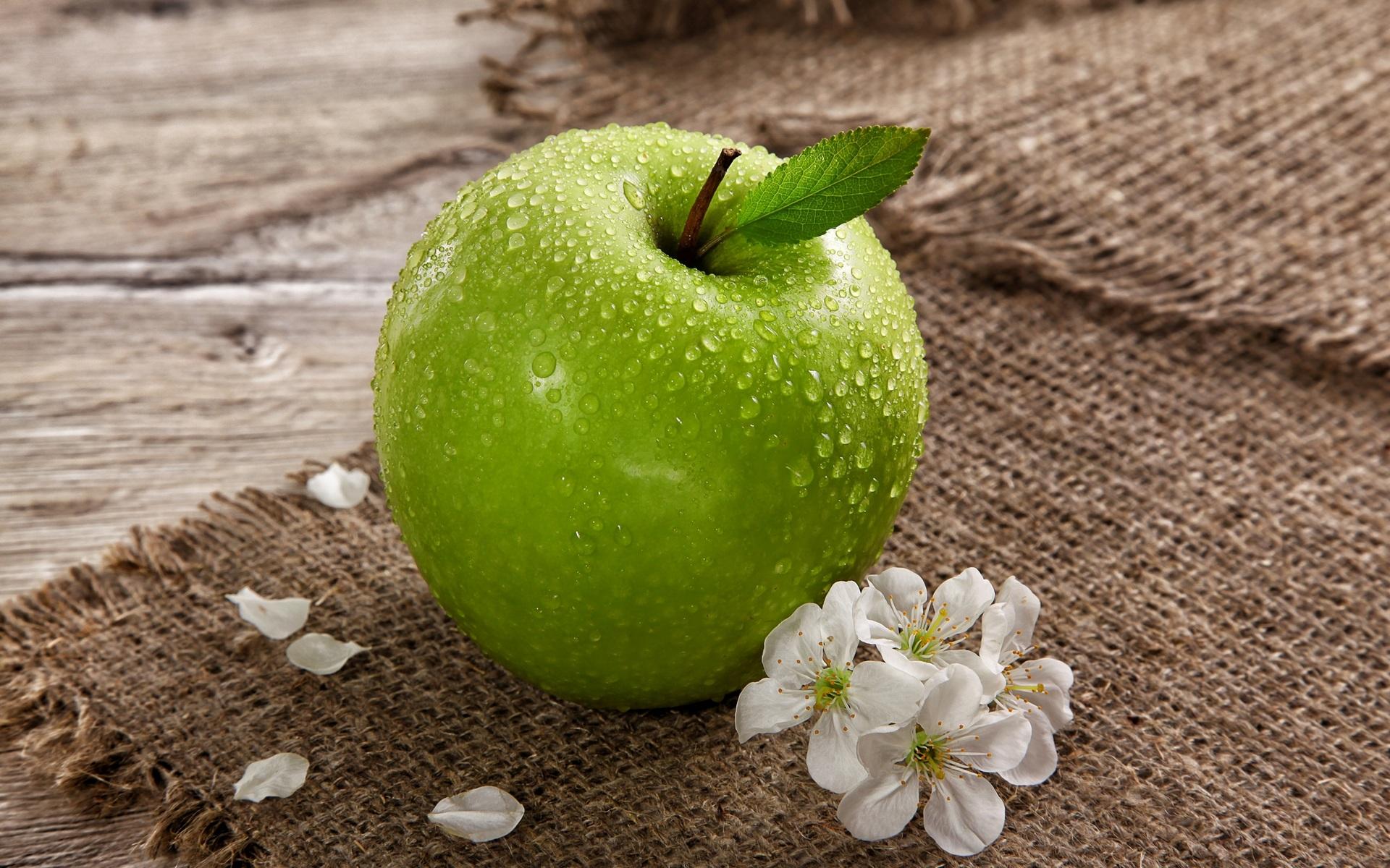 Обои с яблоками