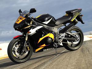 Обои Yamaha R6