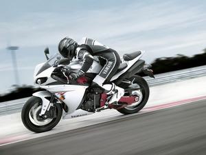 Обои Yamaha R1