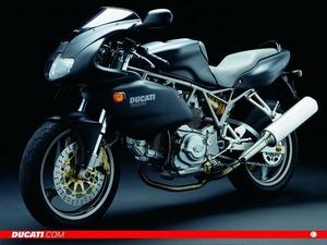 ���� Ducati 750sport