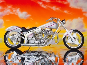 Обои White Silver Custom Harley-Davidson