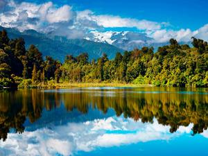 Обои Озеро, лес и горы