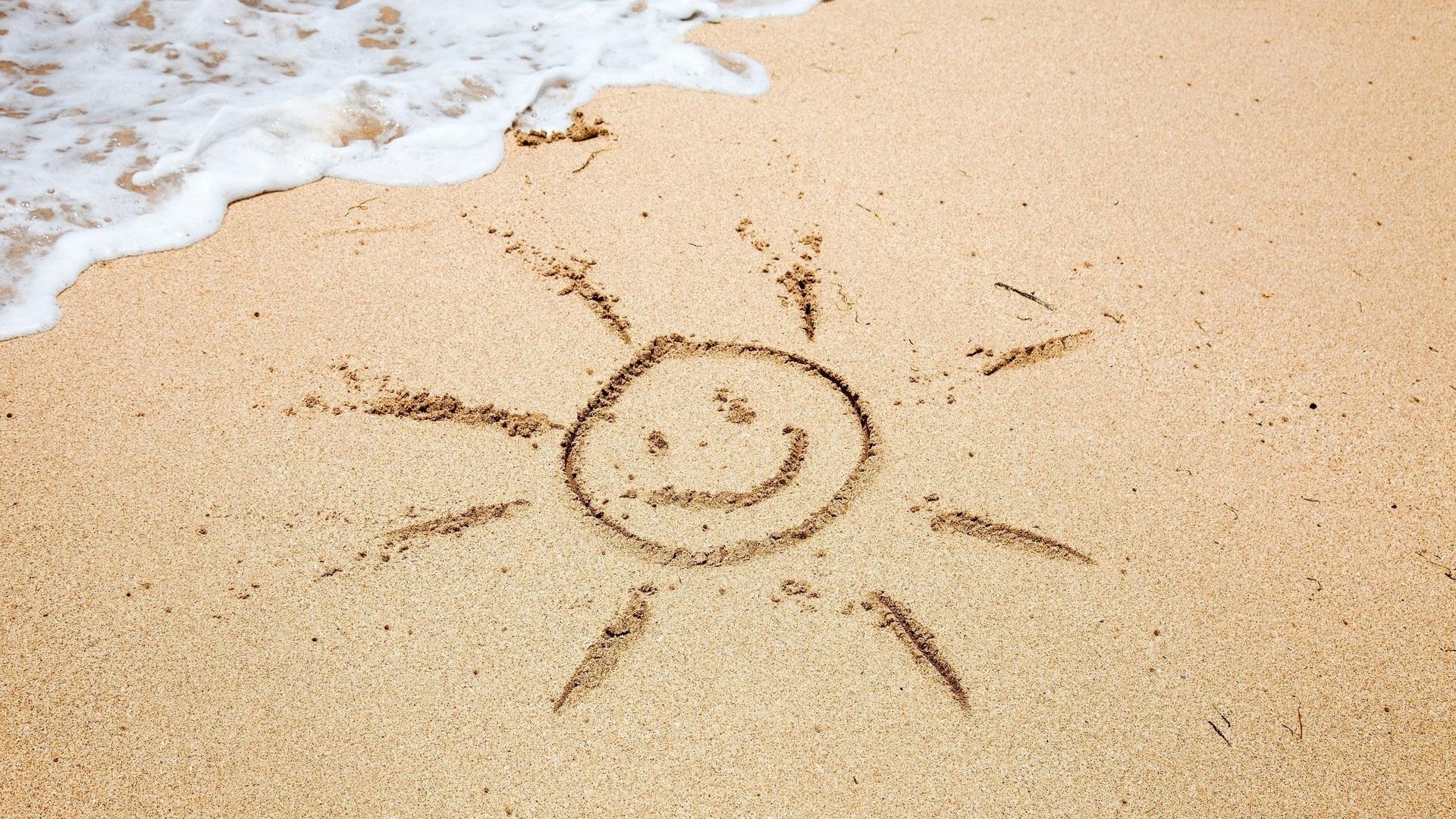 В Испании за рисунок на песке туристы могут попасть в тюрьму