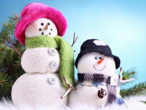 Обои Снеговики