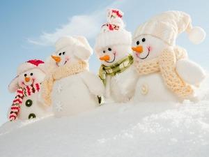 Обои Четыре снеговика
