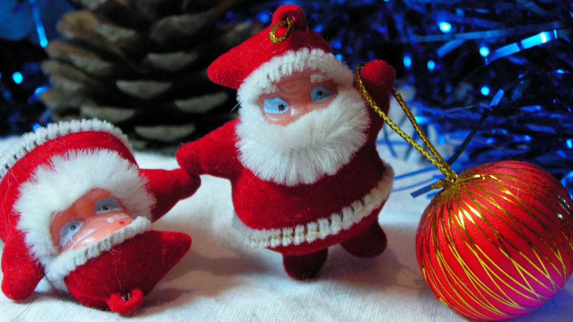 Новый год ёлка шарики хлопушка минусовка