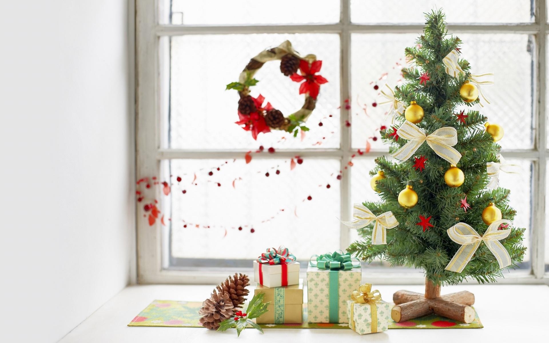 Подарки под ёлкой фото