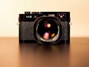 Обои Leica M8