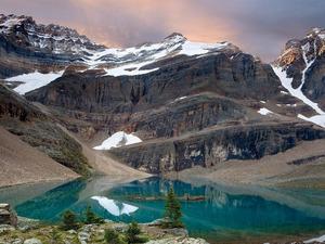 Обои Изумрудное озеро
