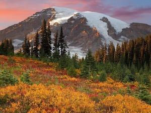 Обои Поздняя осень в предгорье