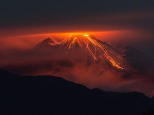 Обои Извержение вулкана