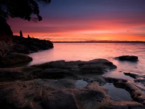 Обои Рыбаки и розовый закат