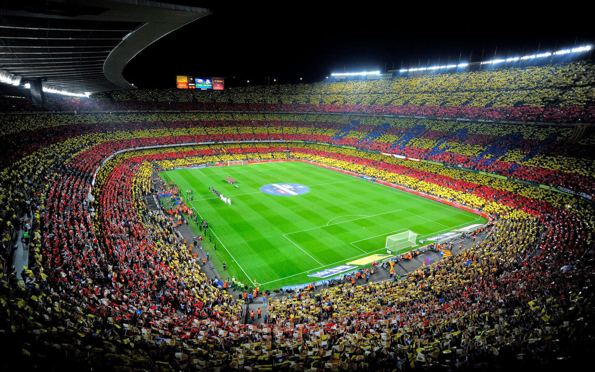 Футбол. Анонс футбольного матча 1/8 финала Лиги Чемпионов 2014 – 2015 года. «Барселона» (Испания, Барселона) - «Манчестер Сити» (Англия, Манчестер). 2-й матч.