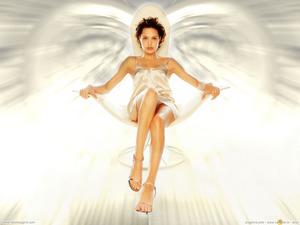 ���� ��������� ����� (Angelina Jolie)