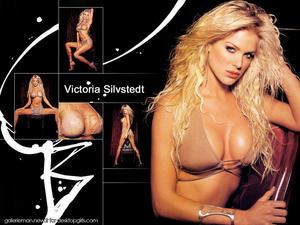 Обои Виктория Сильвстедт (Victoria Silvstedt)