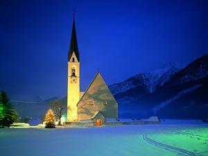 Костел в Альпах