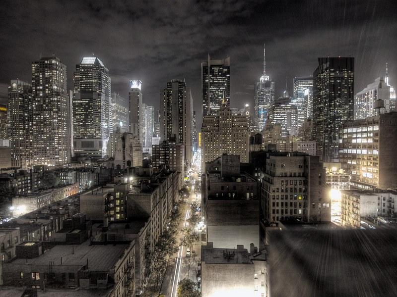 http://img.desktopwallpapers.ru/world/pics/black_new_york.jpg